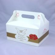 Białe pudełko na ciasto weselne