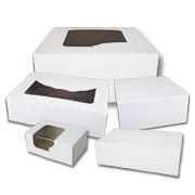 Białe klejone pudełka cukiernicze